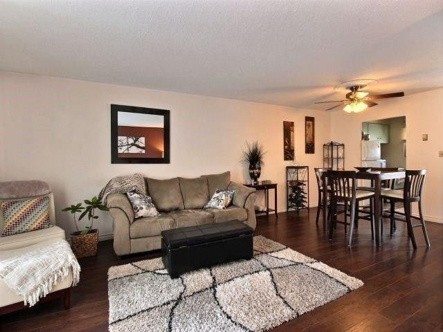 pictures of house for sale MLS: X4730662 located at 450 Pioneer Dr, Kitchener N2P1H6