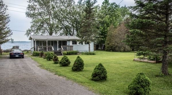 pictures of house for sale MLS: X4731052 located at 20459 Loyalist Pkwy, Prince Edward County K0K1T0