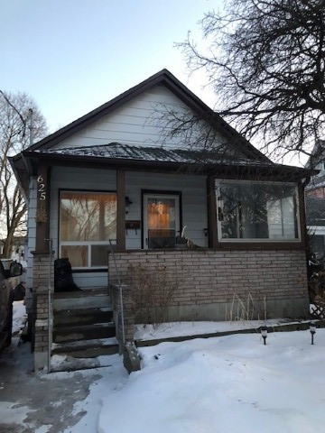 pictures of house for sale MLS: X4731248 located at 625 Chamberlain St, Peterborough K9J4L9