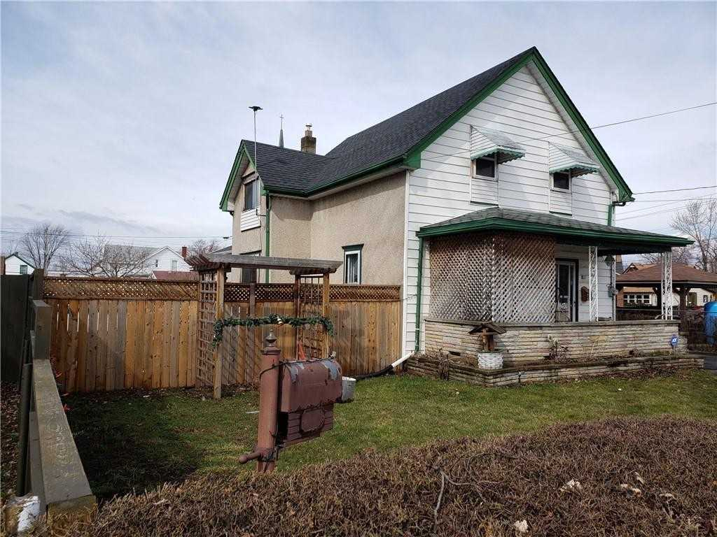 pictures of house for sale MLS: X4731555 located at 354 Mitchell St, Port Colborne L3K1Y8