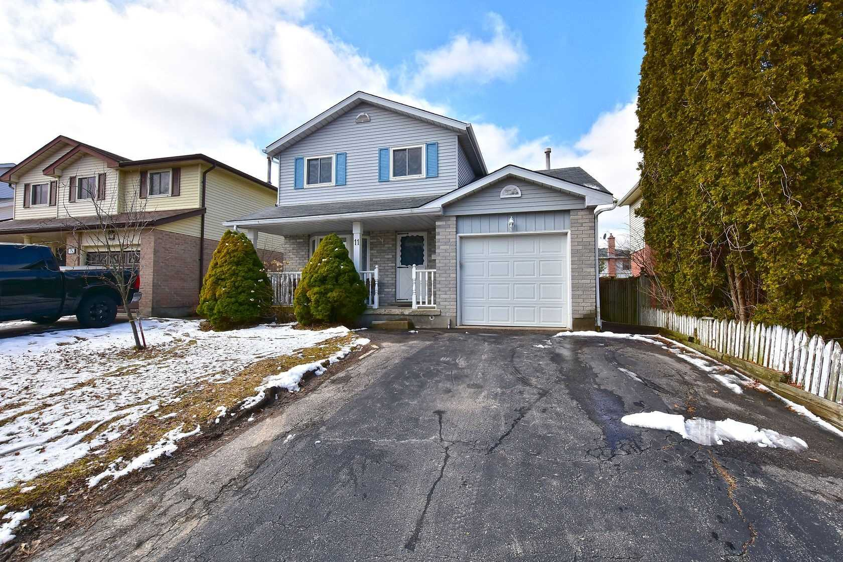 pictures of house for sale MLS: X4732142 located at 11 Summerhill Cres, Kitchener N2N2X9