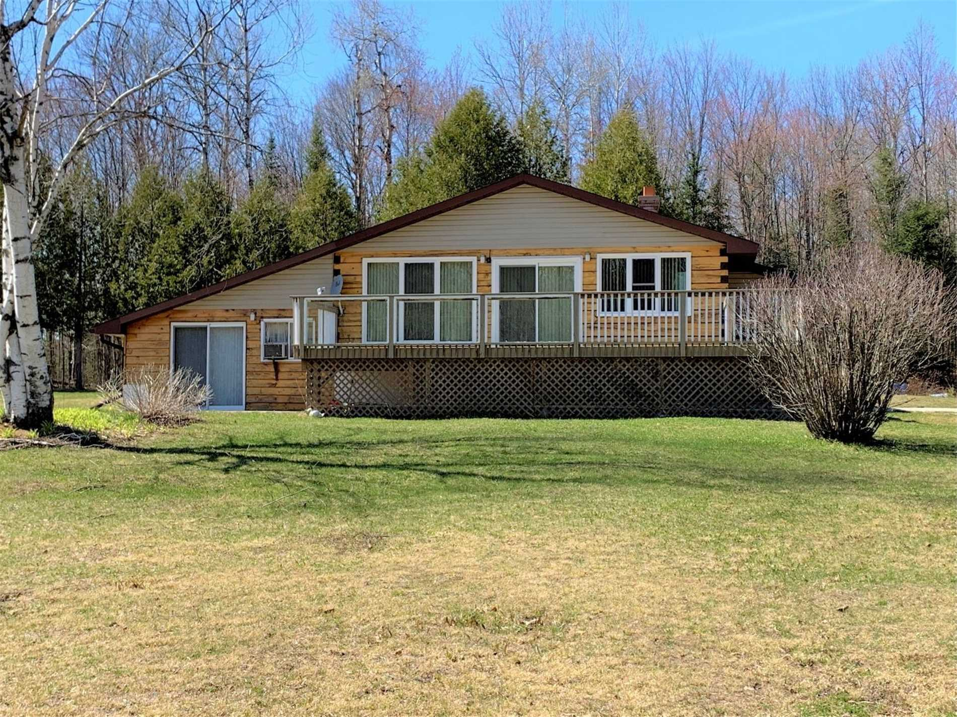 pictures of house for sale MLS: X4733054 located at 1081 Glamor Lake Rd, Highlands East K0M1R0