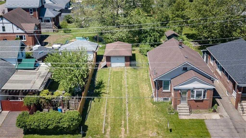 pictures of house for sale MLS: X4733138 located at 323 Central Ave, Fort Erie L2A3T5