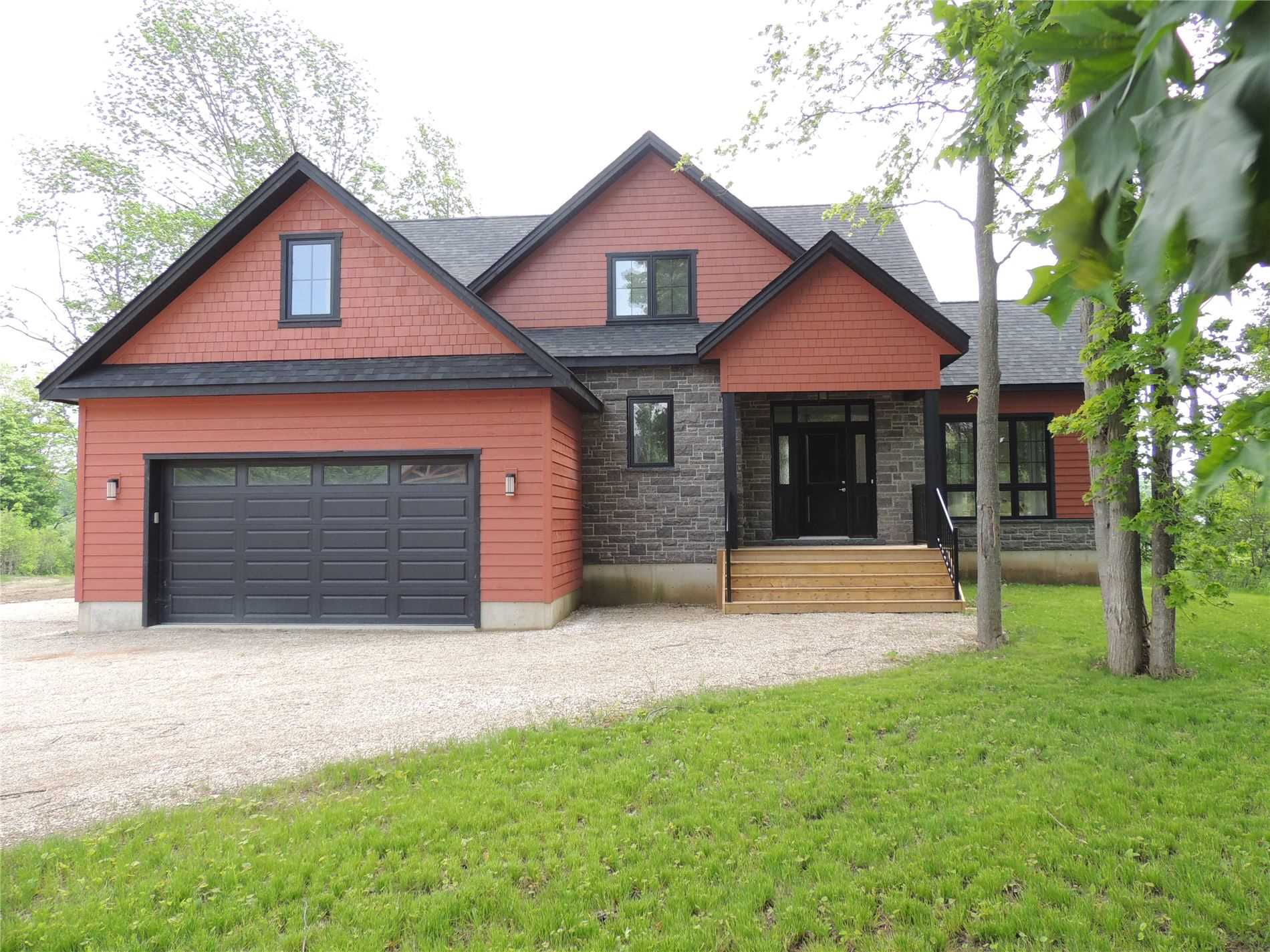 pictures of house for sale MLS: X4734132 located at 112 Butternut Crt, Grey Highlands N0C1H0
