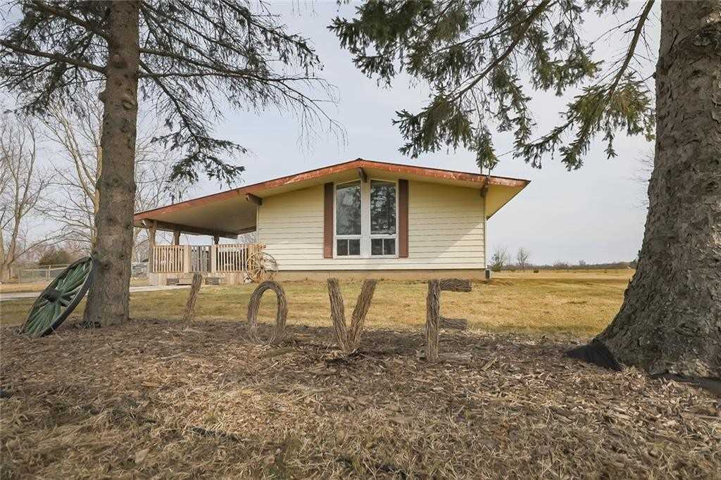 pictures of house for sale MLS: X4734444 located at 82822 Old River Rd E, Wainfleet L0R2J0