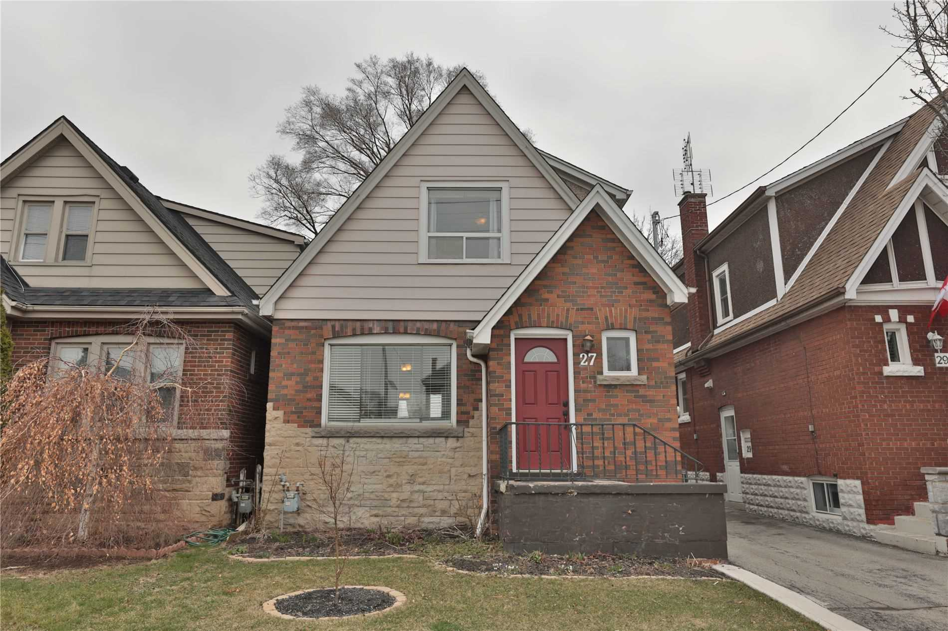 pictures of house for sale MLS: X4736422 located at 27 Kenilworth Ave S, Hamilton L8K2S7