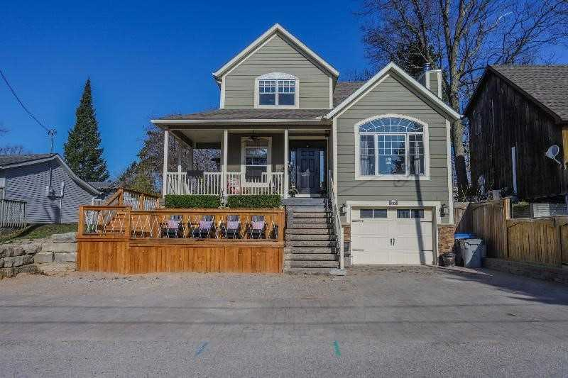 pictures of house for sale MLS: X4745349 located at 27 Queens Ave, Lambton Shores N0M1T0