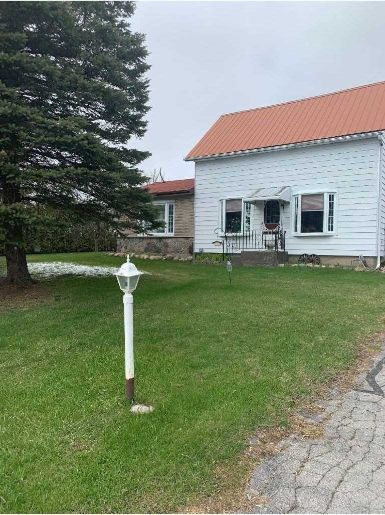pictures of house for sale MLS: X4745556 located at 946 Carman Rd, Brighton K0K1H0