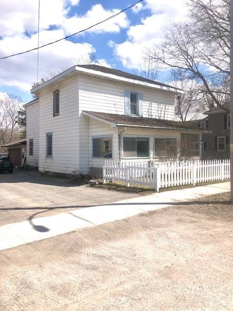 pictures of house for sale MLS: X4751712 located at 10 Regent St, Smith-Ennismore-Lakefield K0L2H0