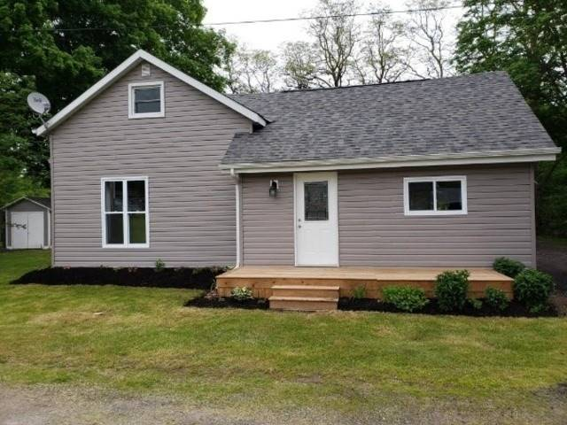 pictures of house for sale MLS: X4752033 located at 21 Thurlow Queen St, Belleville K0K2V0