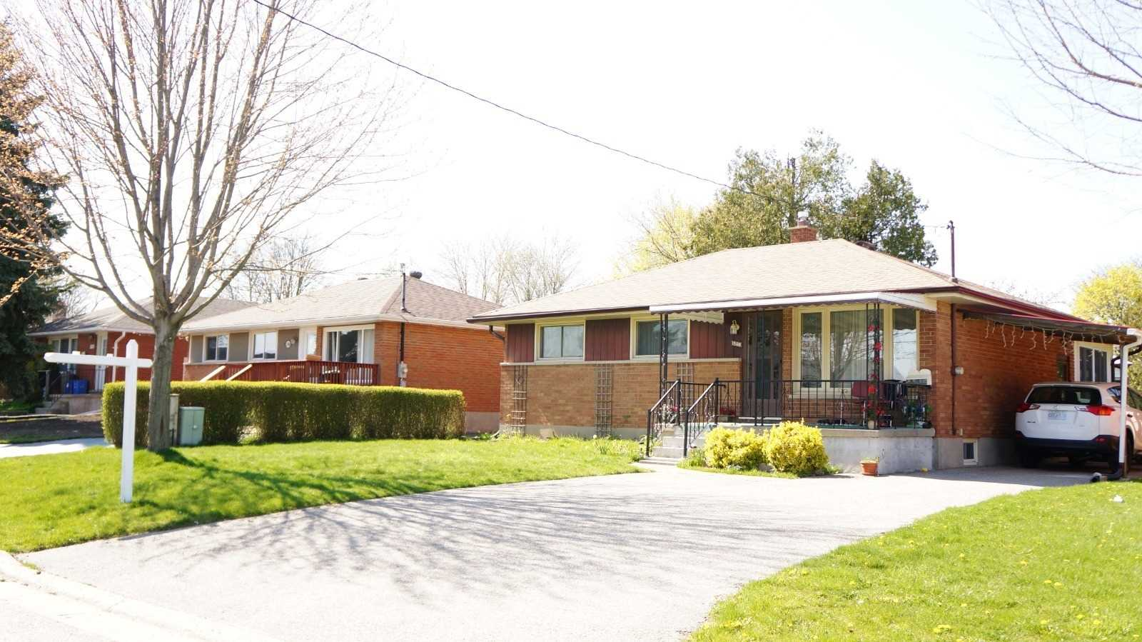 pictures of house for sale MLS: X4756908 located at 1586 Dixie St, London N5V1Y9
