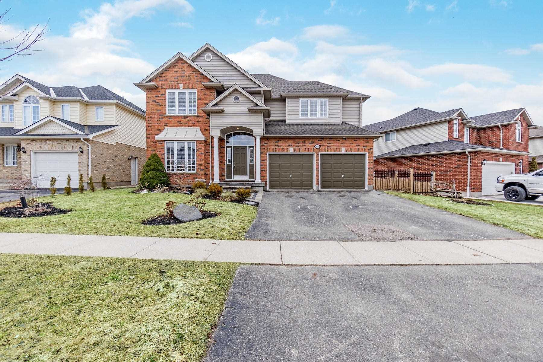 pictures of house for sale MLS: X4759802 located at 34 Stiefelmeyer Cres, Wilmot N3A2L1
