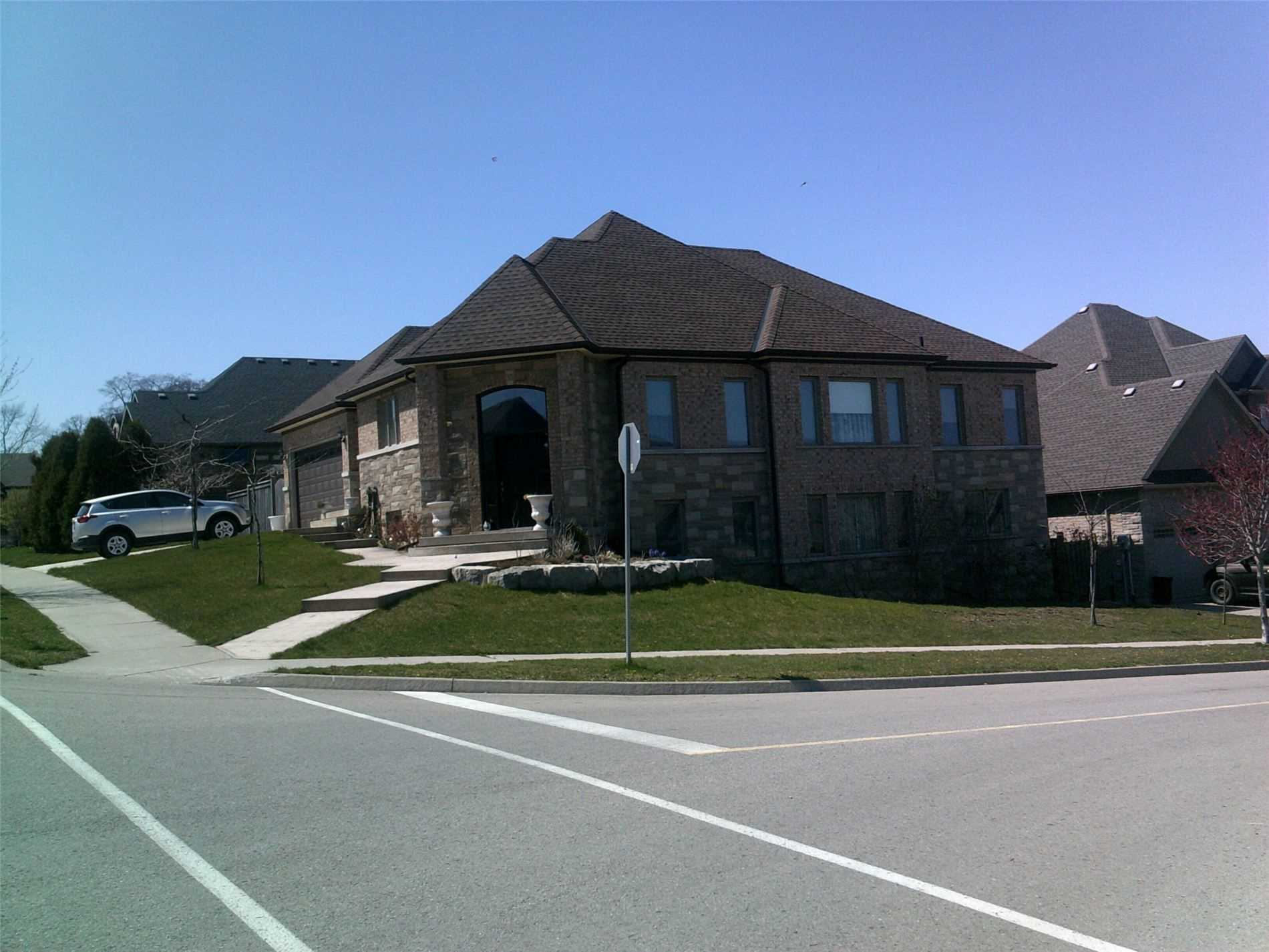 pictures of house for sale MLS: X4763404 located at 30 Red Haven Dr, Niagara-on-the-Lake L0S1P0