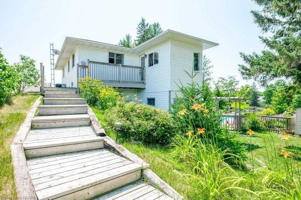 pictures of house for sale MLS: X4765094 located at 814 Rock Rd, Douro-Dummer K0L3A0
