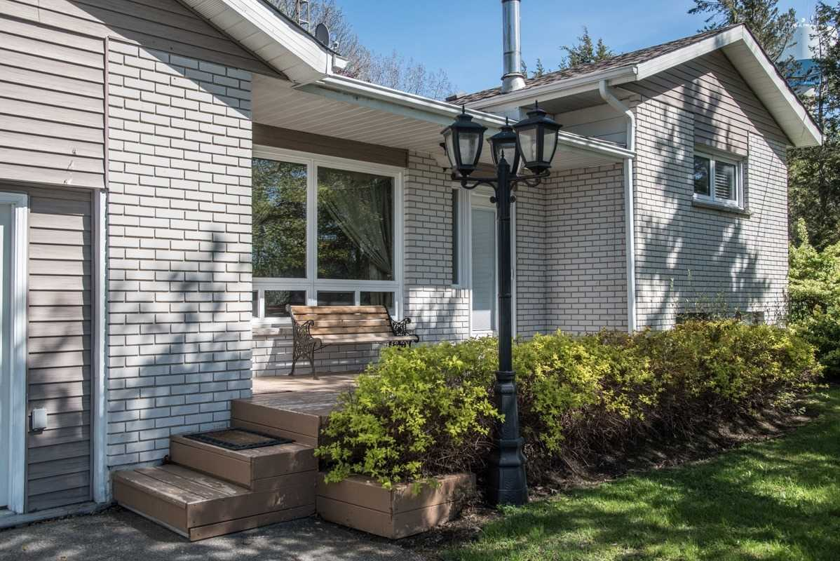 pictures of house for sale MLS: X4768763 located at 24 Consecon Main St, Prince Edward County K0K1T0