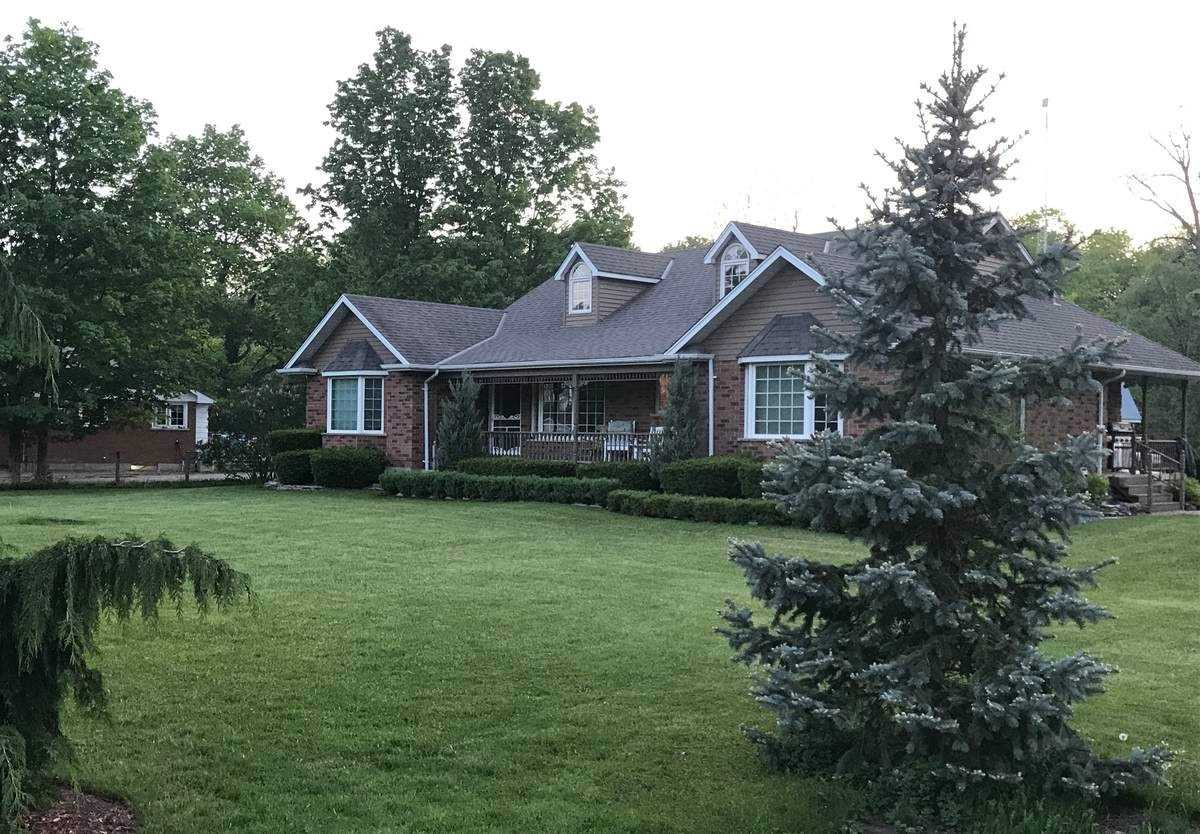 pictures of house for sale MLS: X4778600 located at 10254 Ilderton Rd, Middlesex Centre N0M2A0