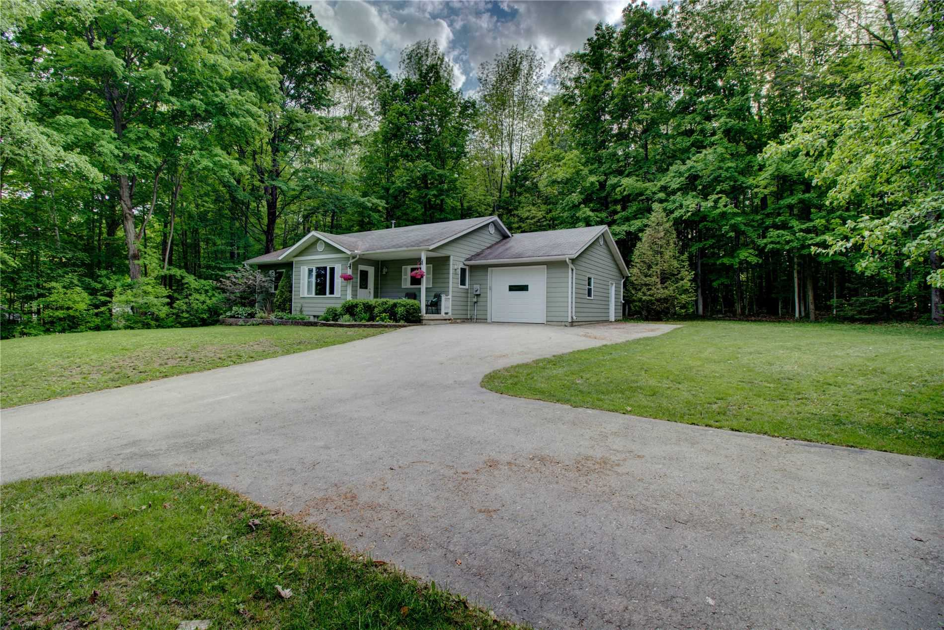 pictures of house for sale MLS: X4779029 located at 24 Shore Dr, South Bruce Peninsula N0H1A0