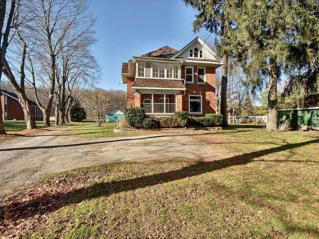 pictures of house for sale MLS: X4979394 located at 394 2nd Ave, Georgian Bluffs N4K5T1