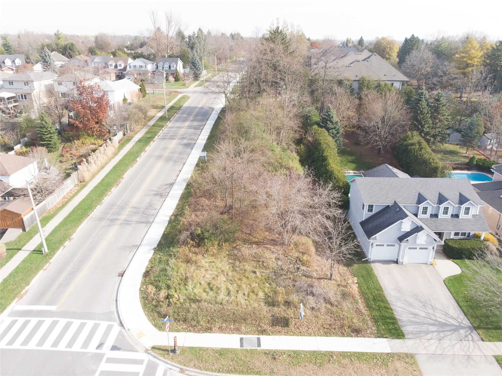 pictures of house for sale MLS: X4981809 located at 113 Ptarmigan Dr, Guelph N1C1B8
