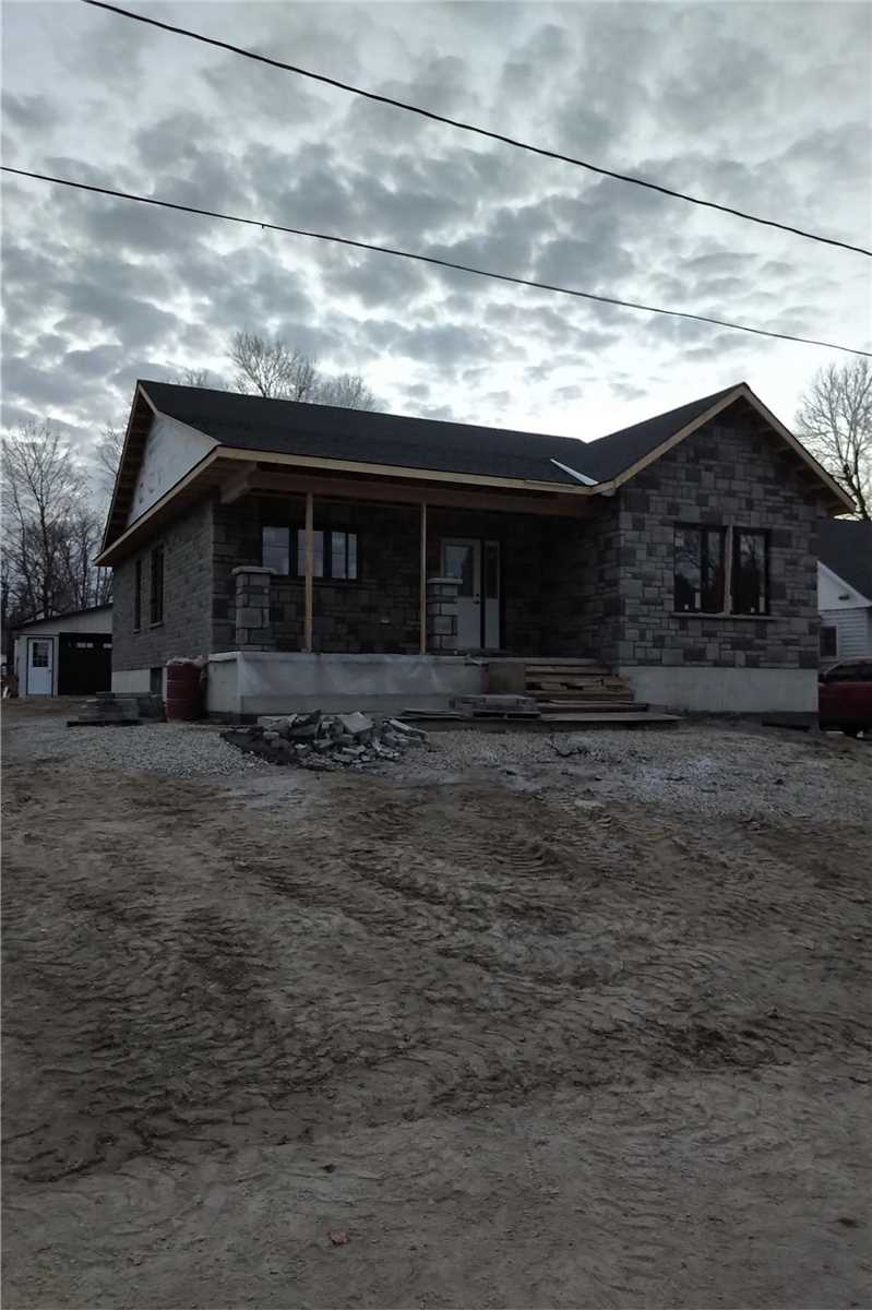 pictures of house for sale MLS: X4987215 located at 162 King St S, Minto N0G1Z0