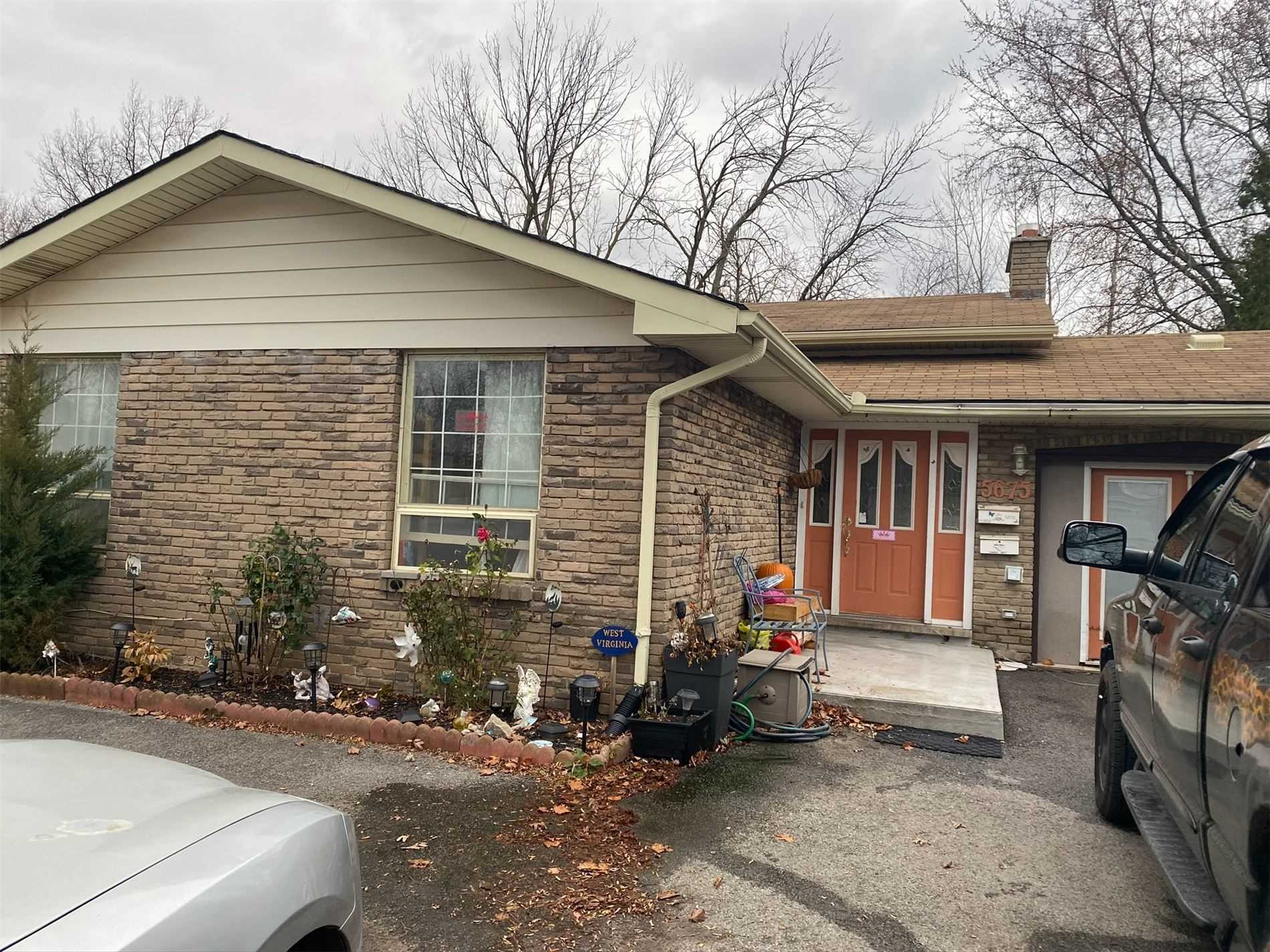 pictures of house for sale MLS: X4988994 located at 5675 Church's Lane, Niagara Falls L2J1Y8