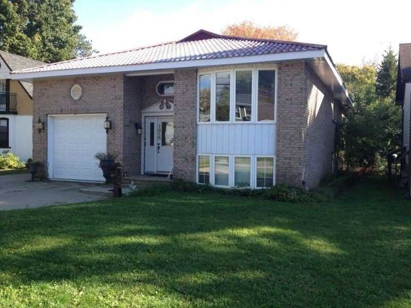 pictures of house for sale MLS: X5060016 located at 174 Dill St, Bracebridge P1L1E6