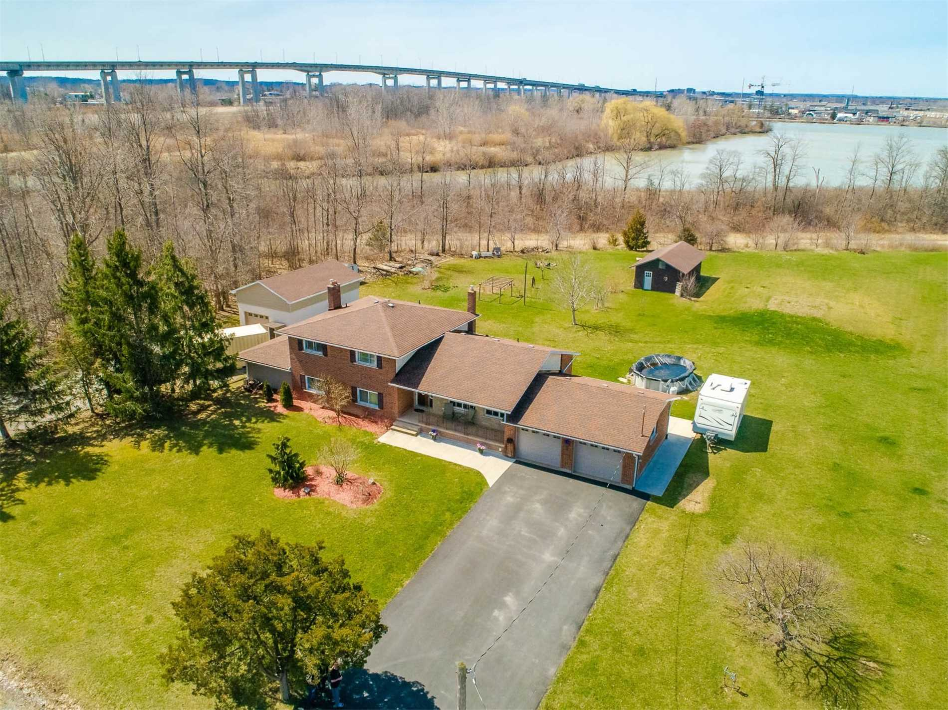 pictures of house for sale MLS: X5062650 located at 62 Stewart Rd, Niagara-on-the-Lake L0S1J0