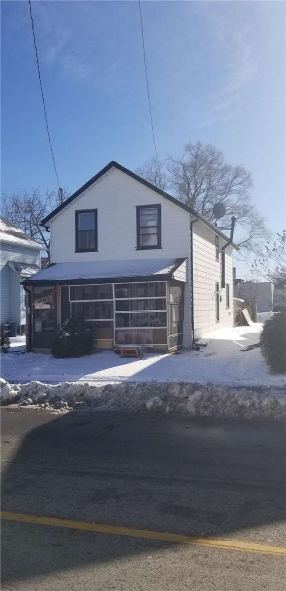 pictures of house for sale MLS: X5064909 located at 4744 Park St S, Niagara Falls L2E2R1