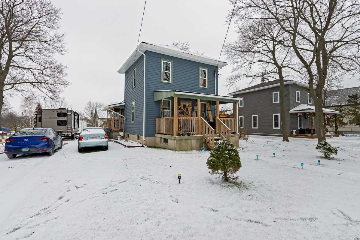 pictures of house for sale MLS: X5068222 located at 13 Erie St S, Haldimand N0A1P0