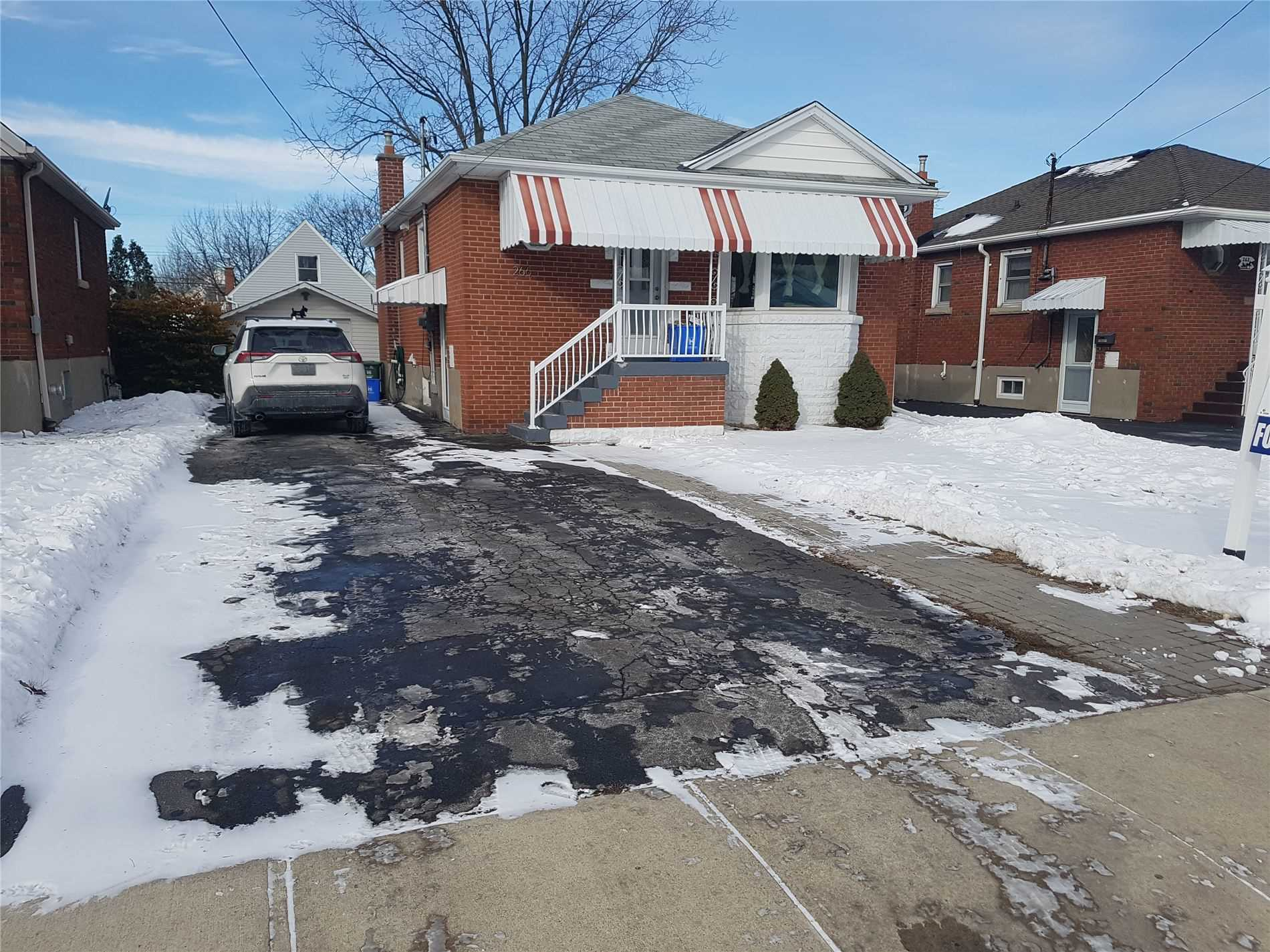 pictures of 266 East 34th St, Hamilton L8V3W9