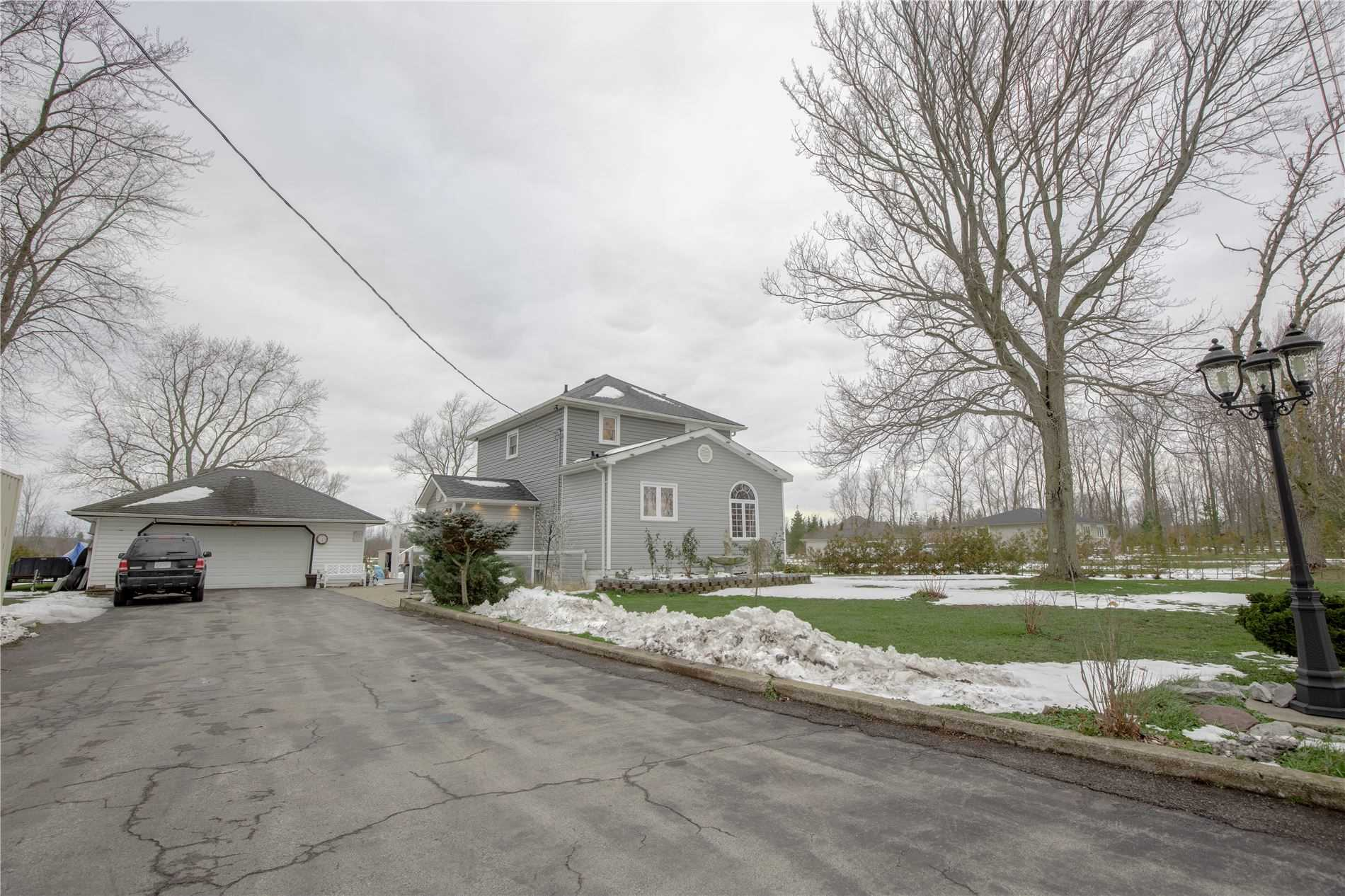 pictures of house for sale MLS: X5070845 located at 554 Holloway Bay Rd, Port Colborne L0S1R0