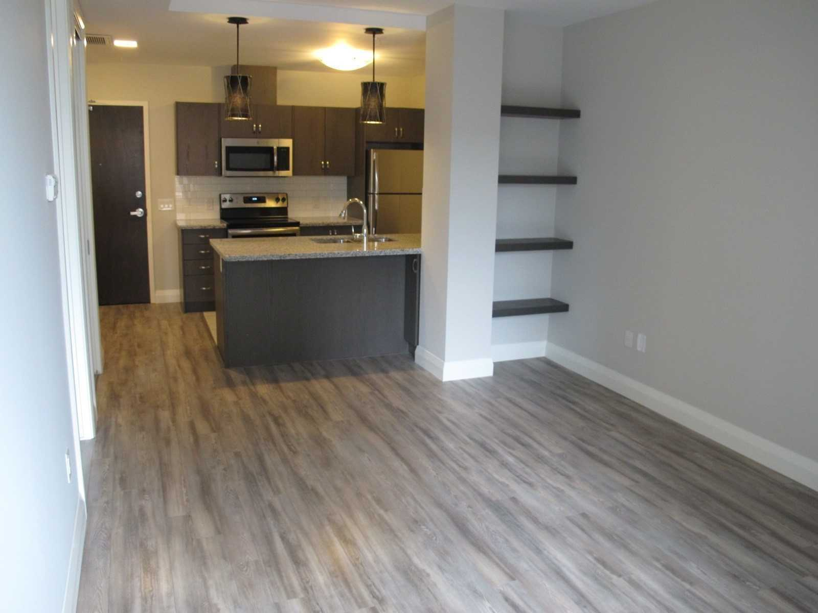 pictures of 112 King St E, Hamilton L8N1A8