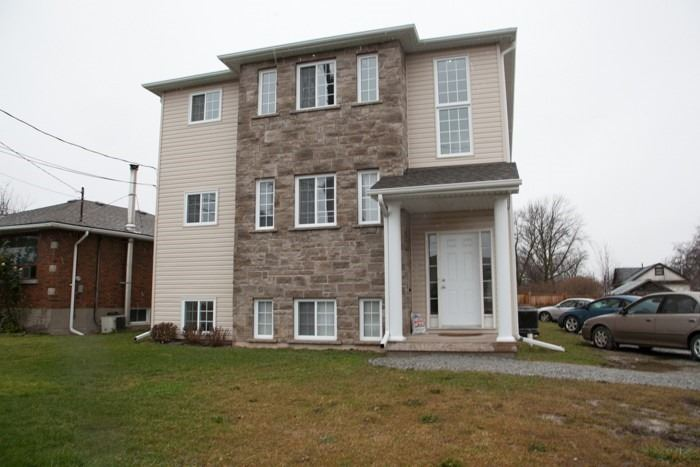 pictures of house for sale MLS: X5081005 located at 43 Cleveland St, Thorold L2V3K5