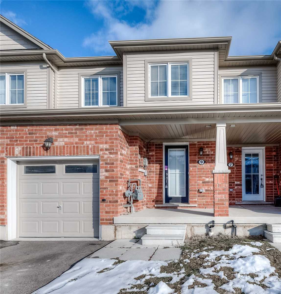 pictures of house for sale MLS: X5081893 located at 9 Butcher Cres, Brantford N3T0P2
