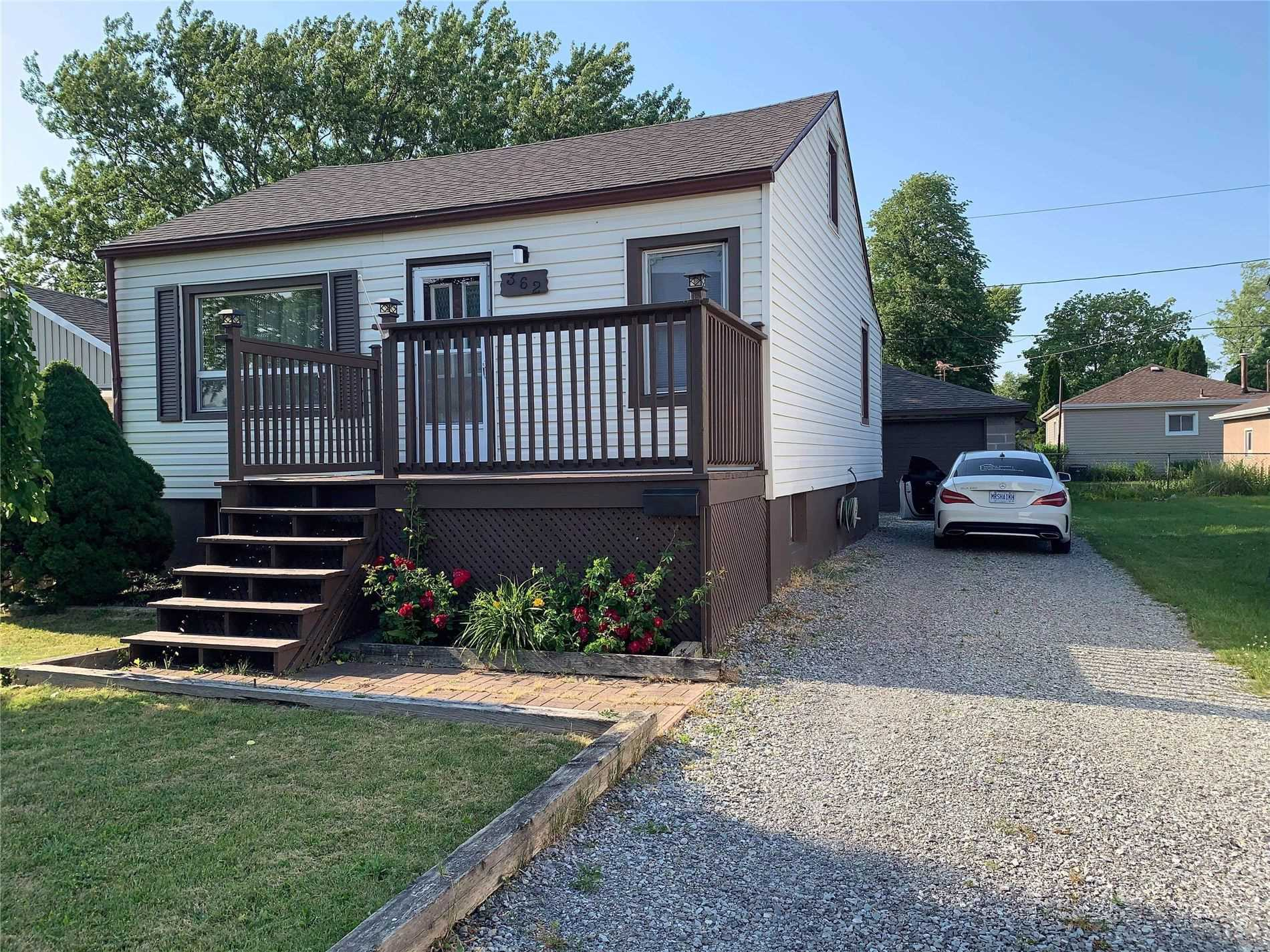 pictures of house for sale MLS: X5084744 located at 362 Morningstar Ave, Welland L3B5B4