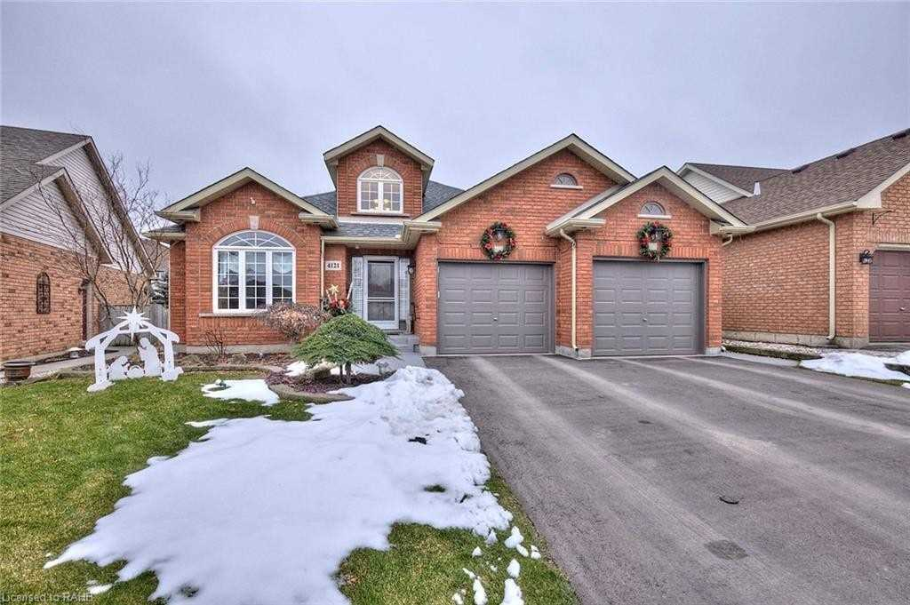 pictures of house for sale MLS: X5084760 located at 4121 Walcot Crt, Lincoln L0R1B7
