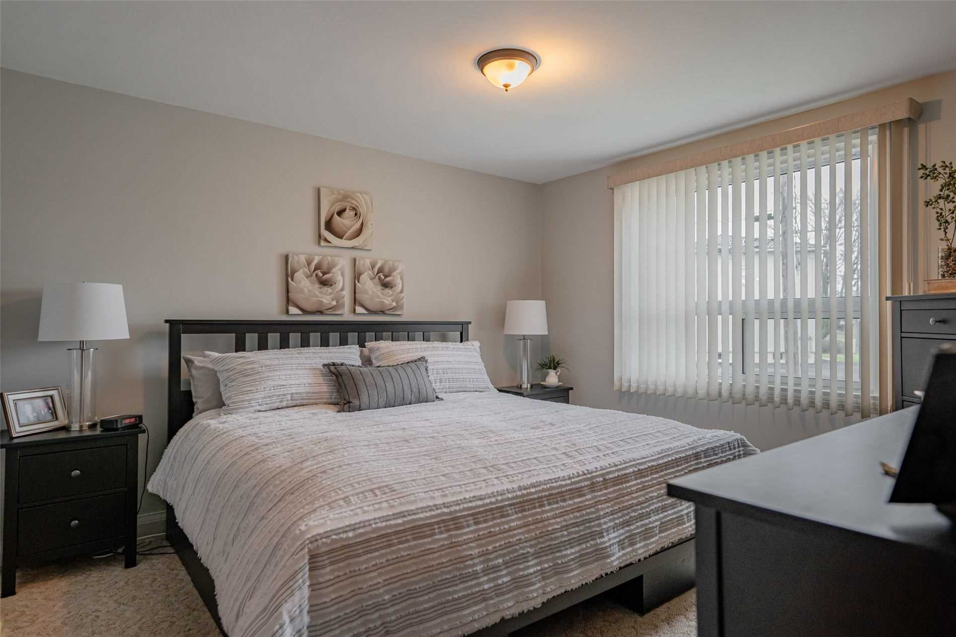 pictures of house for sale MLS: X5087386 located at 68 Clifford Ave, Welland L3C2G1