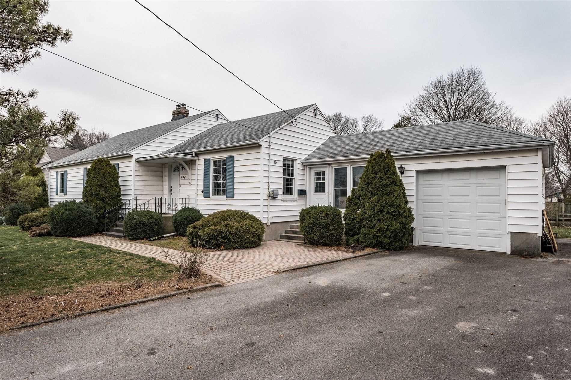 pictures of house for sale MLS: X5087632 located at 374 Linwell Rd, St. Catharines L2M2P2