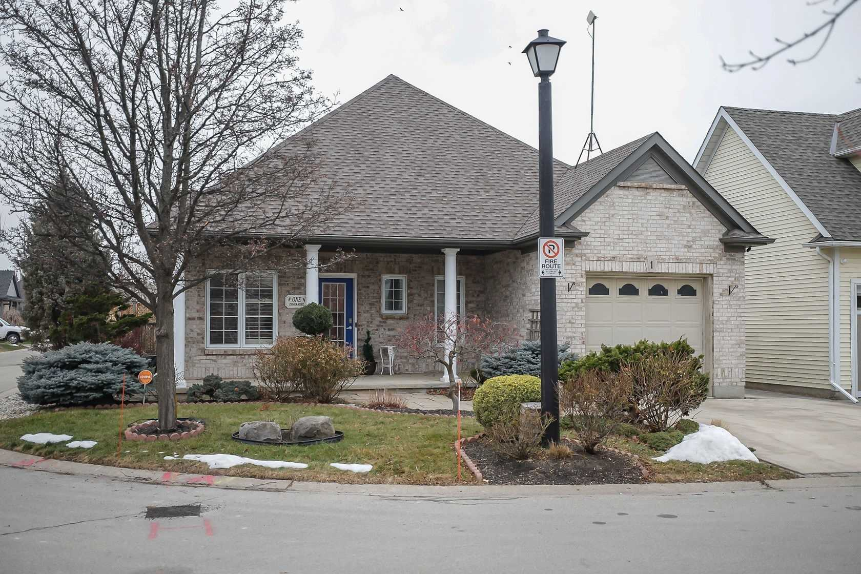 pictures of house for sale MLS: X5088445 located at 1 Zinfandel Crt, Niagara-on-the-Lake L0S1J0