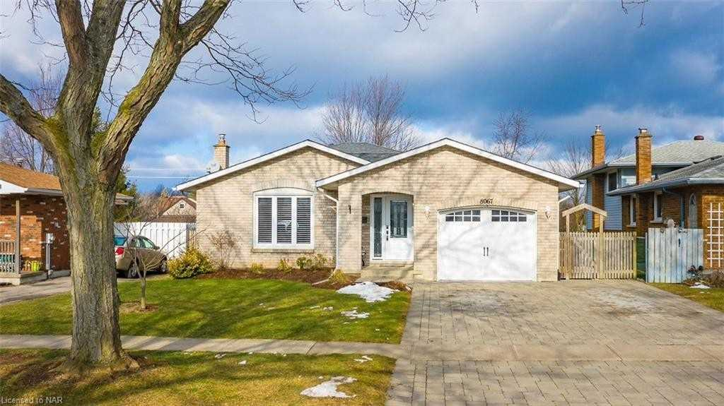 pictures of house for sale MLS: X5090405 located at 8067 Michael St, Niagara Falls L2H2B6
