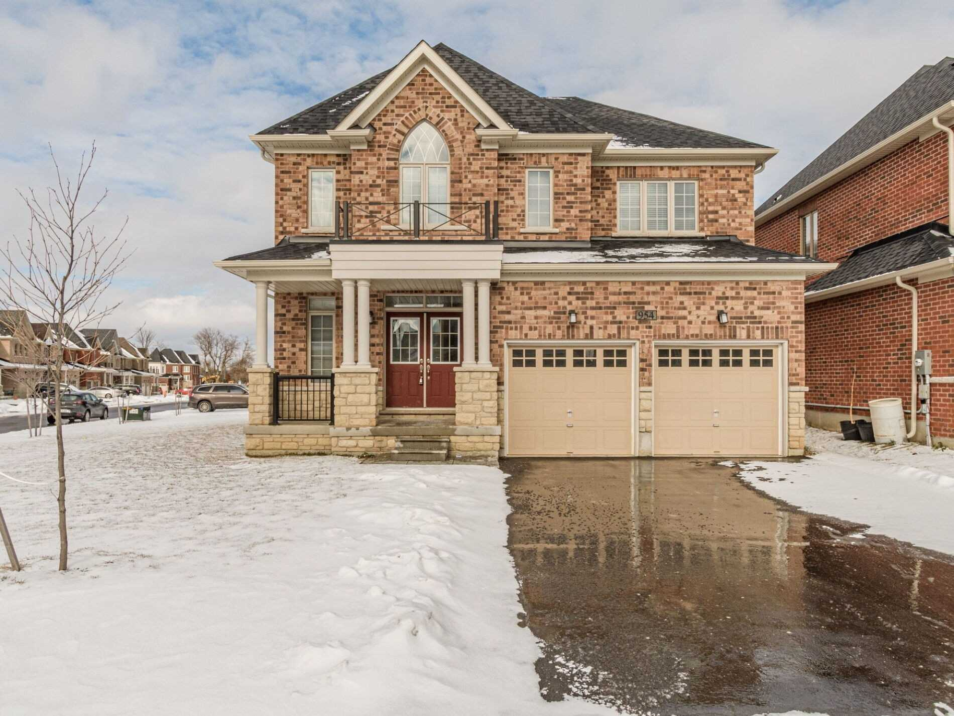 pictures of house for sale MLS: X5090512 located at 954 Edinburgh Dr, Woodstock N4T0L4
