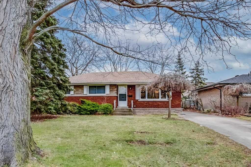 pictures of house for sale MLS: X5091021 located at 87 Masterson Dr, St. Catharines L2T3P8