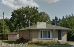 pictures of 147 University Ave, Waterloo N2J2W4