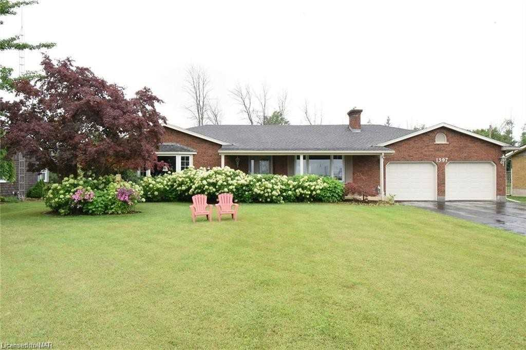 pictures of house for sale MLS: X5099773 located at 1397 Niagara Pkwy, Fort Erie L2A5M4