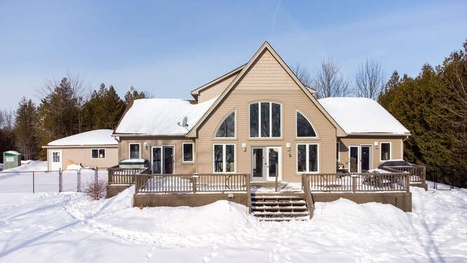 pictures of house for sale MLS: X5111281 located at 90 Golden Pond Dr, South Bruce Peninsula N0H2T0