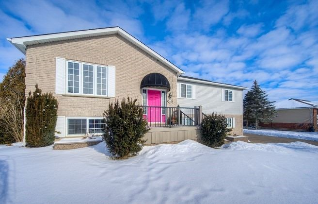pictures of house for sale MLS: X5113477 located at 1552 Bridge St, Wilmot N0B2E0