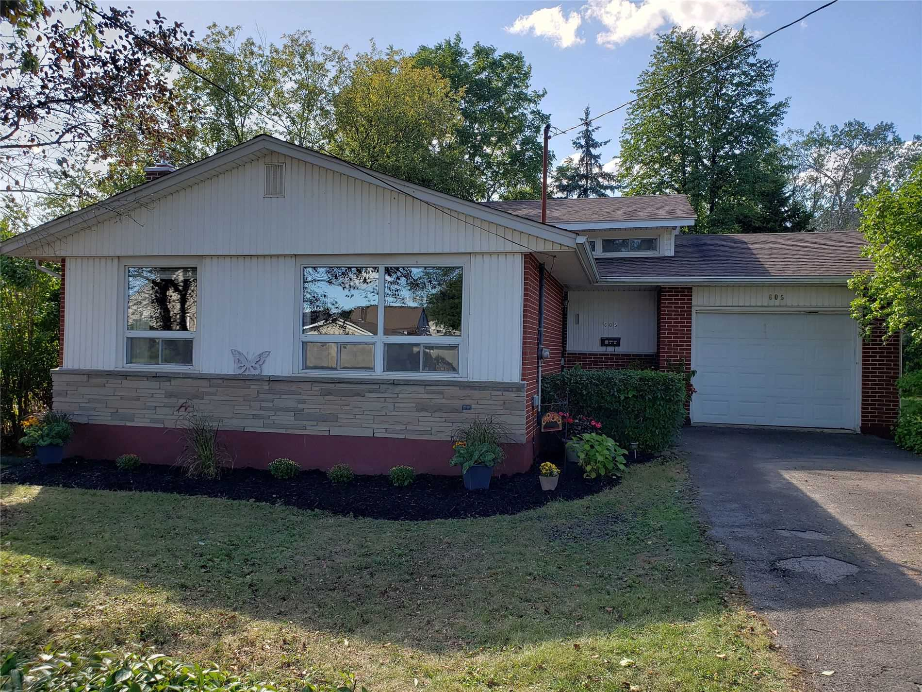 pictures of house for sale MLS: X5123565 located at 605 Clare Ave, Welland L3C3B9