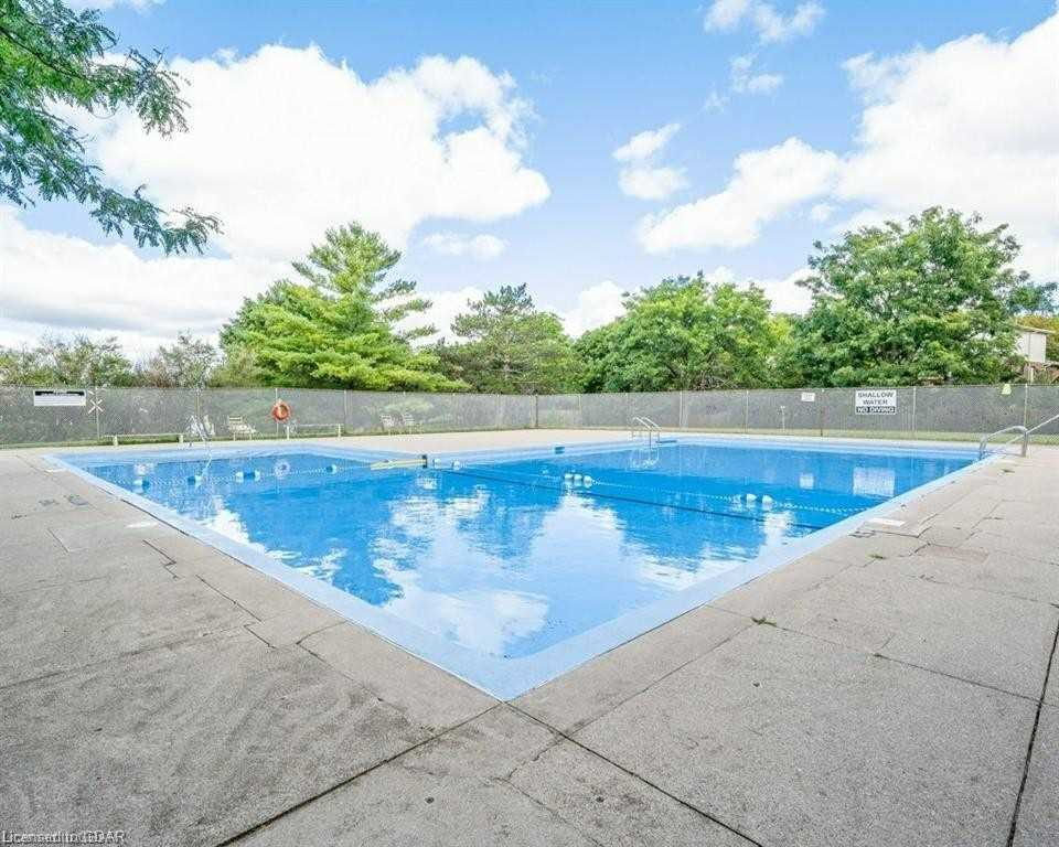 pictures of 61 Dovercliffe Rd, Guelph N1G3A5