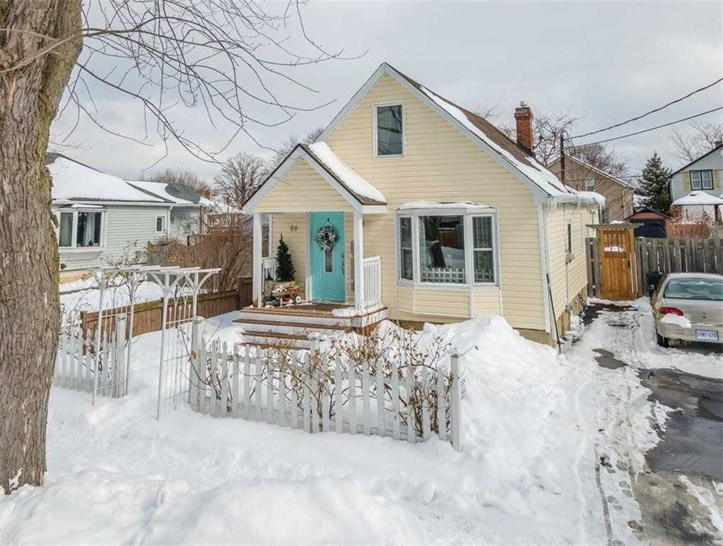 pictures of house for sale MLS: X5125393 located at 64 Scholfield Ave, Welland L3B1N5