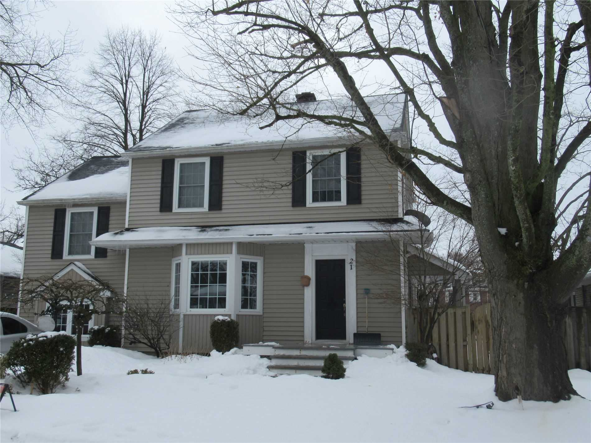 pictures of house for sale MLS: X5125803 located at 21 Weller Ave, Welland L3C4L7